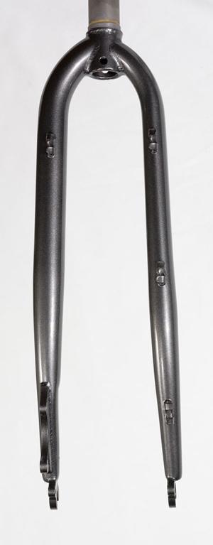 frame bags vs. racks + panniers-tout-fork-rear.jpg