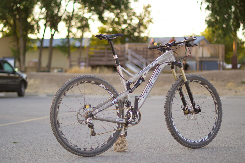 Intense Tracer 29er All Mountain Big Wheel Bike