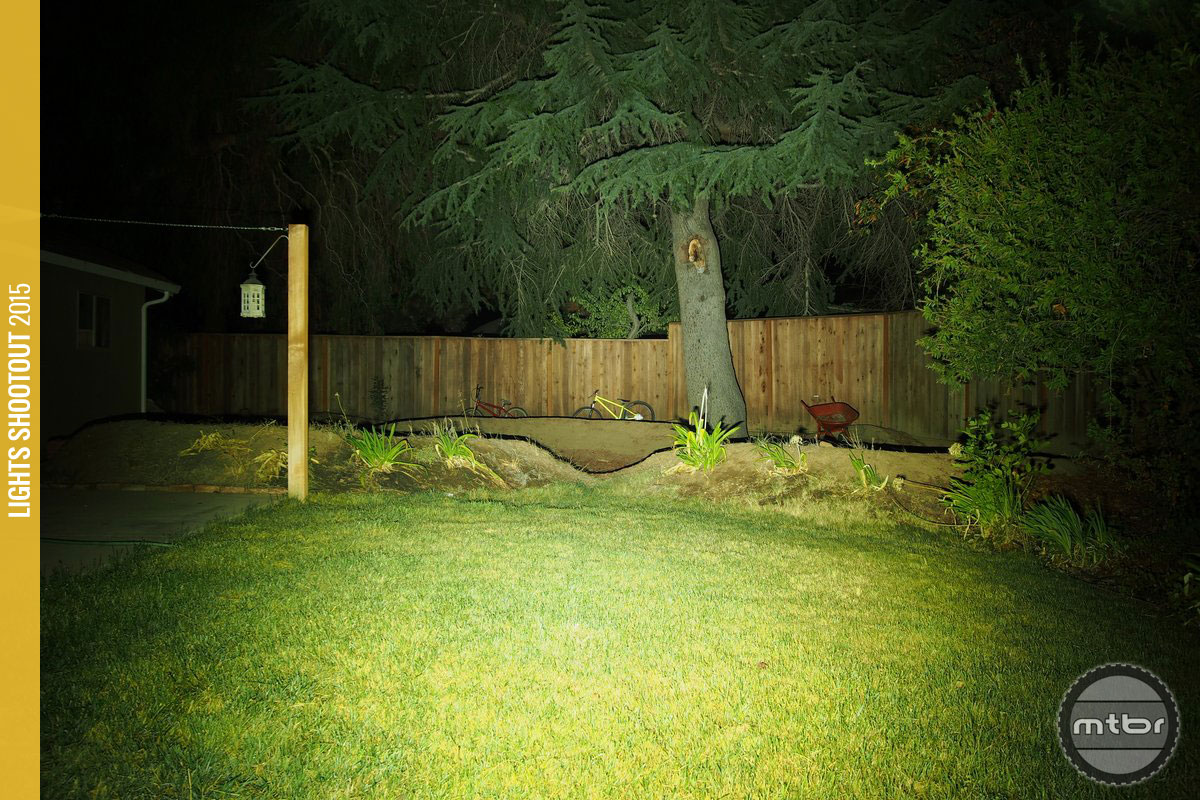 Trail LED DS Backyard Beam Pattern