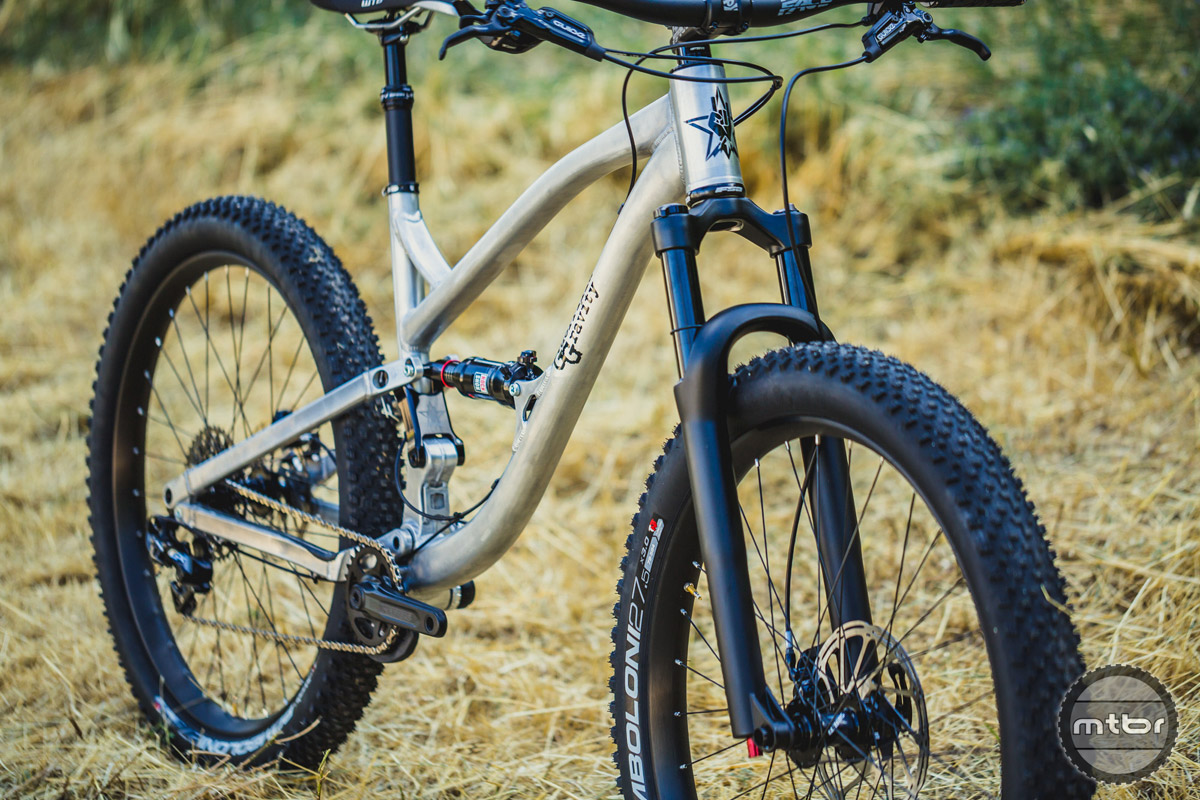 The new bikes comes in builds ranging from $2995, to the top end $5495 build with SRAM X01 drivetrain and Guide RS brakes, Race Face SIXc and Next SL components.