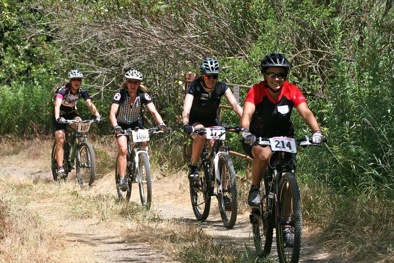 Courageous Women of Dirt Clinic - Orange County California-trail-shot.jpg