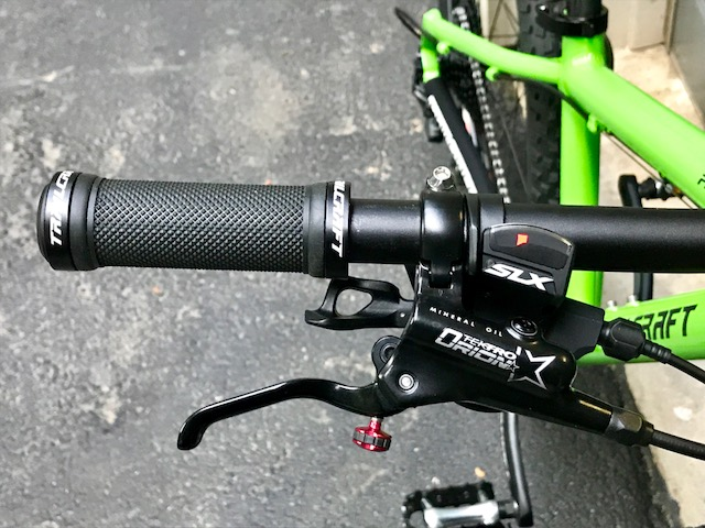 Trailcraft Pineridge 24 youth mtb review.-trailcraft-cockpit.jpg