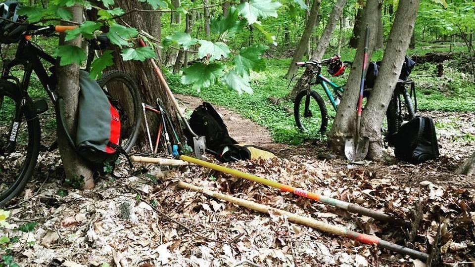 PHL Trail Crew-trailday.jpg