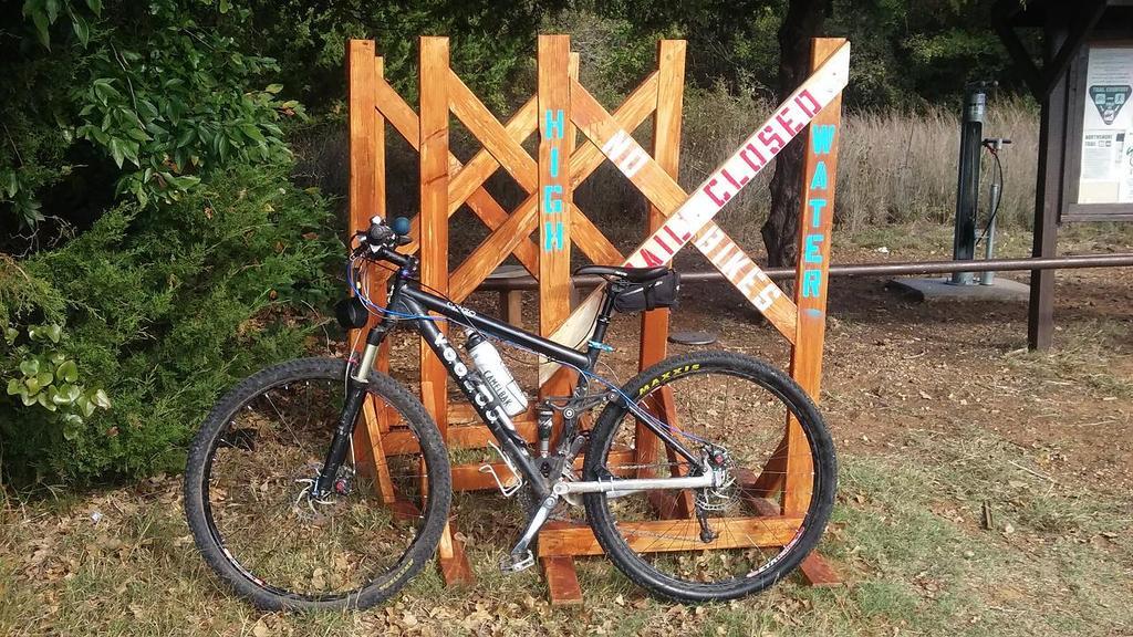 Bike + trail marker pics-trailhead-pic.jpg