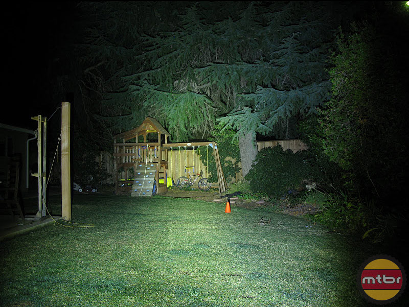CandlePower Tech TrailTorch TT1800 Backyard Beam Pattern