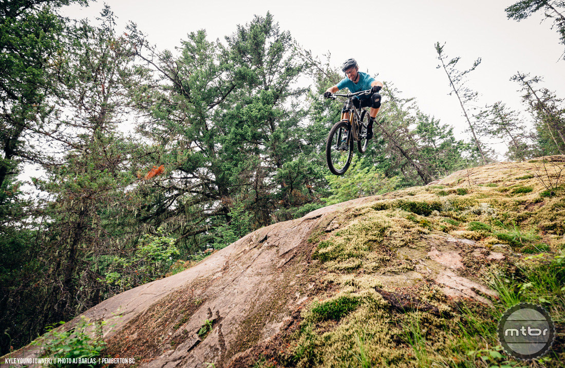 The Transition Scout is the latest in their line of Giddy Up equipped trail bikes. It just happens to be carbon in the front, alloy in the back.