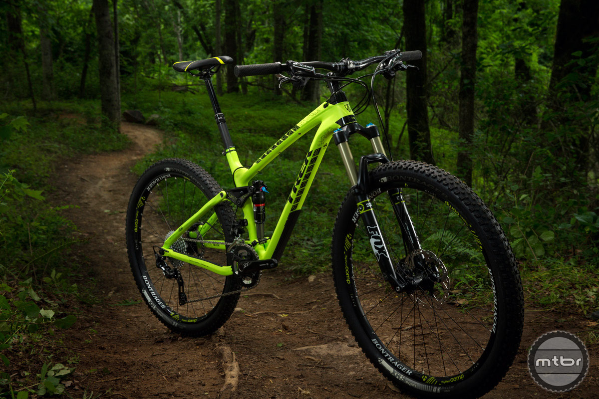 Trek Fuel 27.5 Front Quarter