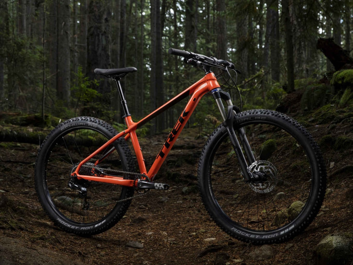 Best Mountain Bikes Under $2000: Trek Roscoe