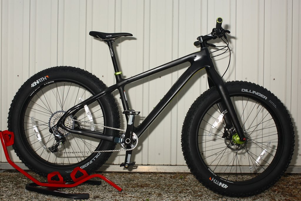 SALSA BEARGREASE Carbon Machine-trek-s-resized.jpg