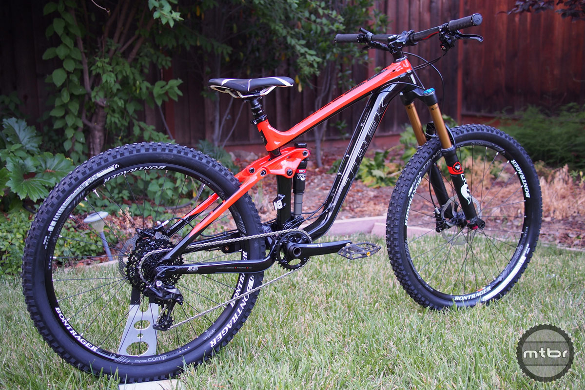 Trek Slash 9 Rear Quarter