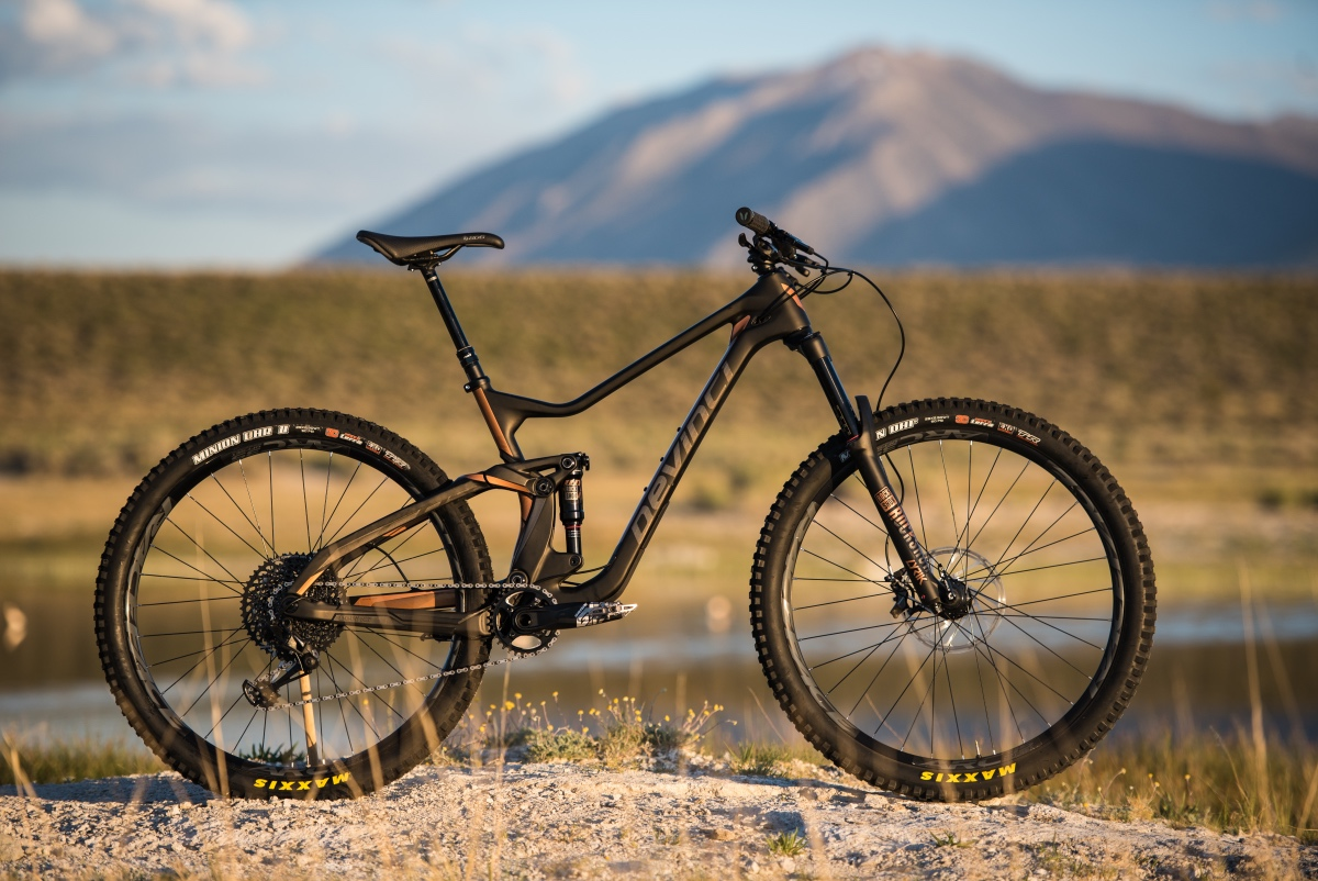 New Devinci Troy rolls out