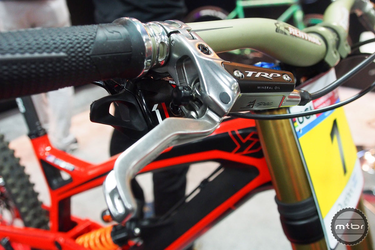 The G Spec is compatible with Shimano I-Spec and SRAM Matchmaker shift levers.