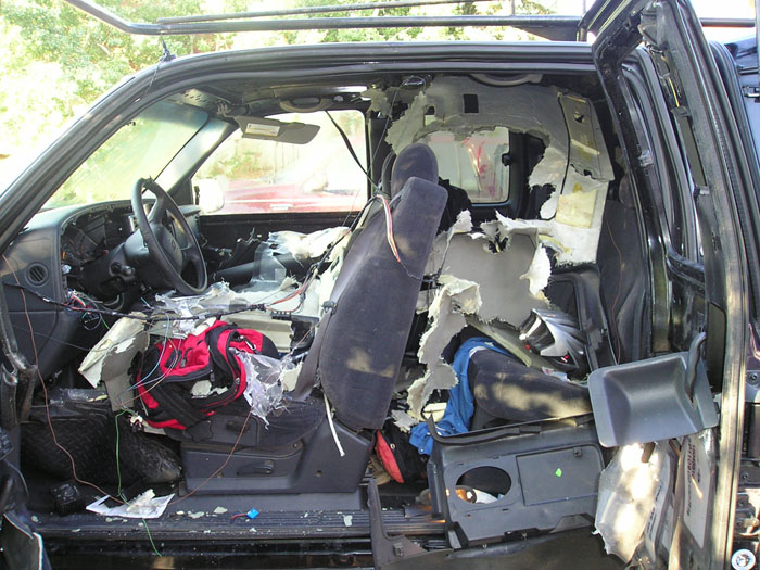 Car break-ins at the local trailheads.-truck_bear-trapped-inside-4.jpg