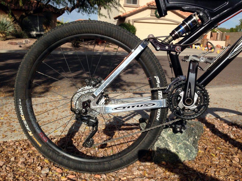 Titus Bike Pr0n-tsb-650b-newbars_driveline.jpg