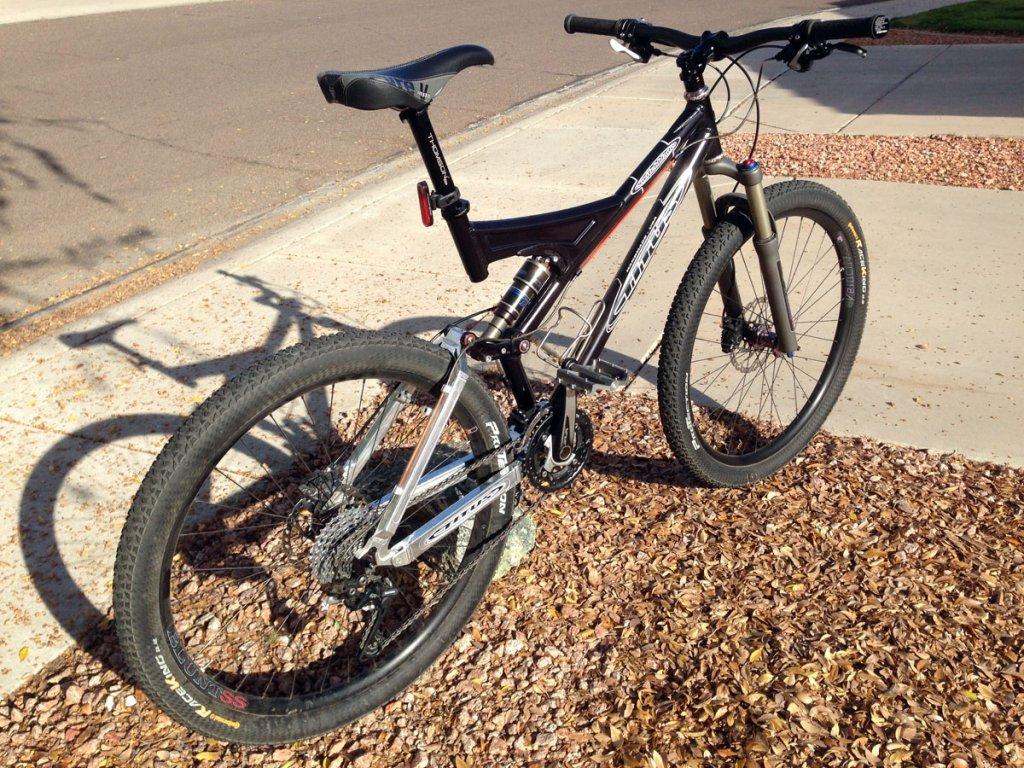 Titus Bike Pr0n-tsb-650b-newbars_rear-iso.jpg