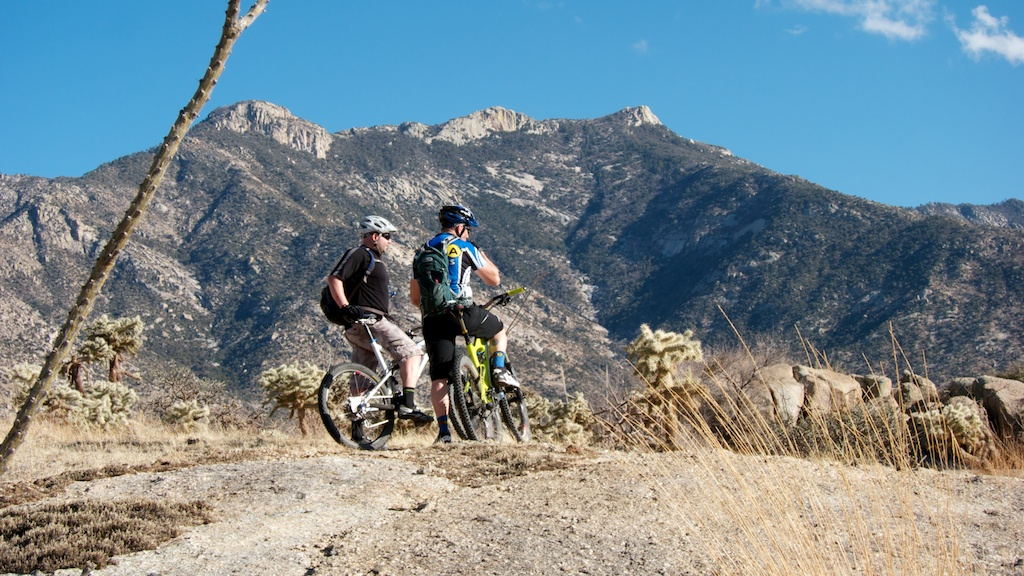 Nothing to see here.  Just Riding Alone goes west [o]-tucsonyogbri_web-024.jpg