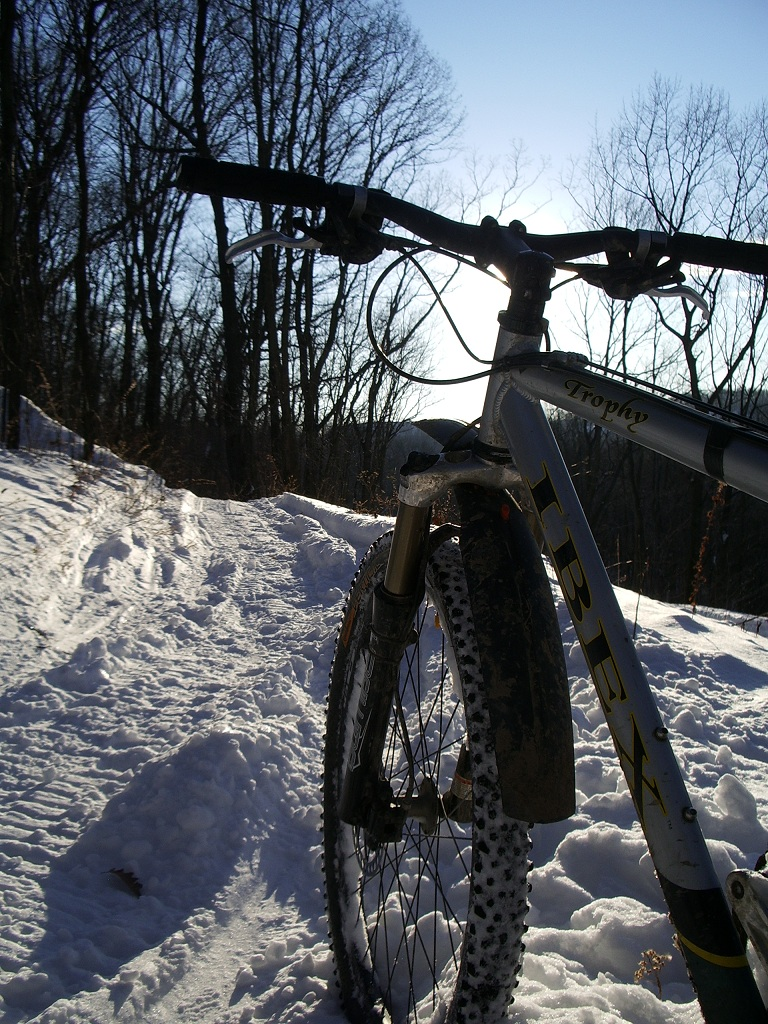 30 degrees and sunny, perfect riding weather!-twinlakes-020.jpg