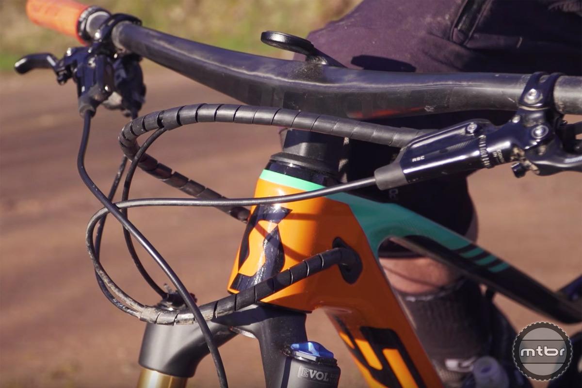 Riding Scott TwinLoc Remote Suspension System