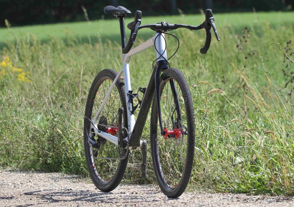 ICAN GRA02 Gravel Bike Frame-underneath-small.jpg