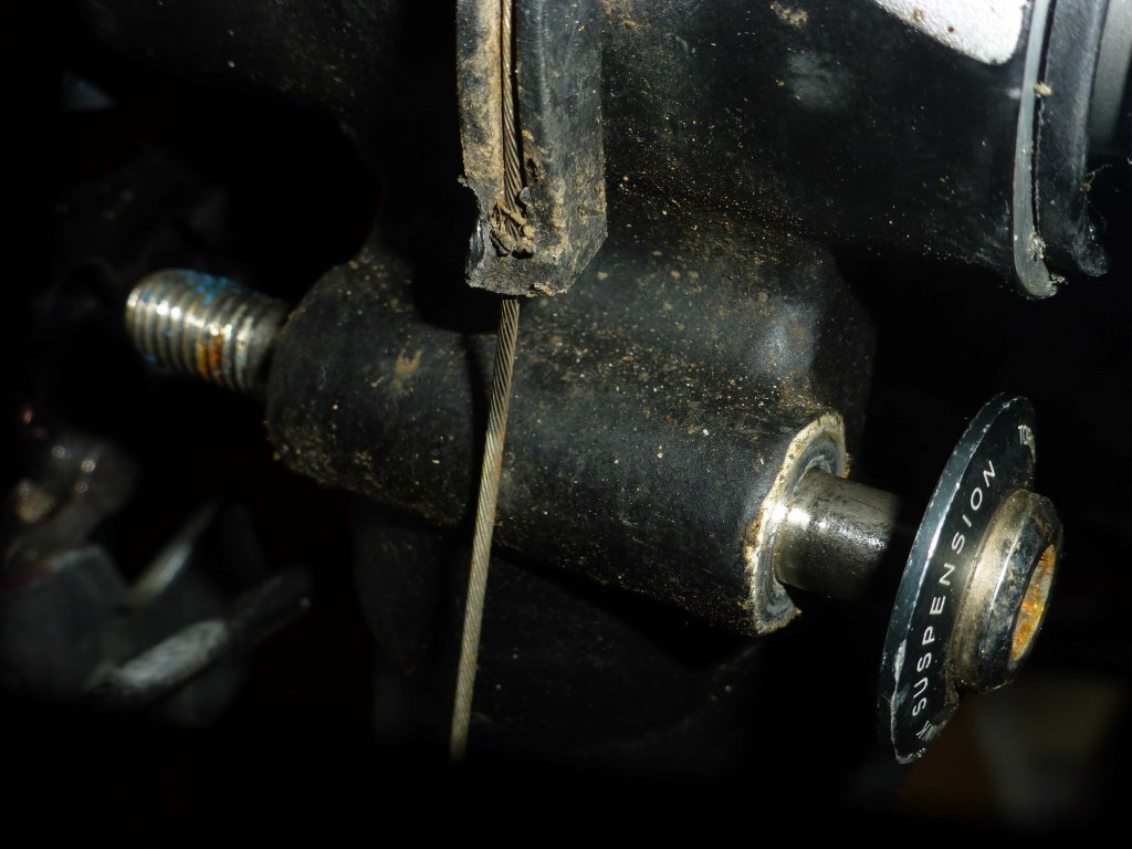 Help! Worn bolt hole in frame! can it be fixed?-untitled1.jpg