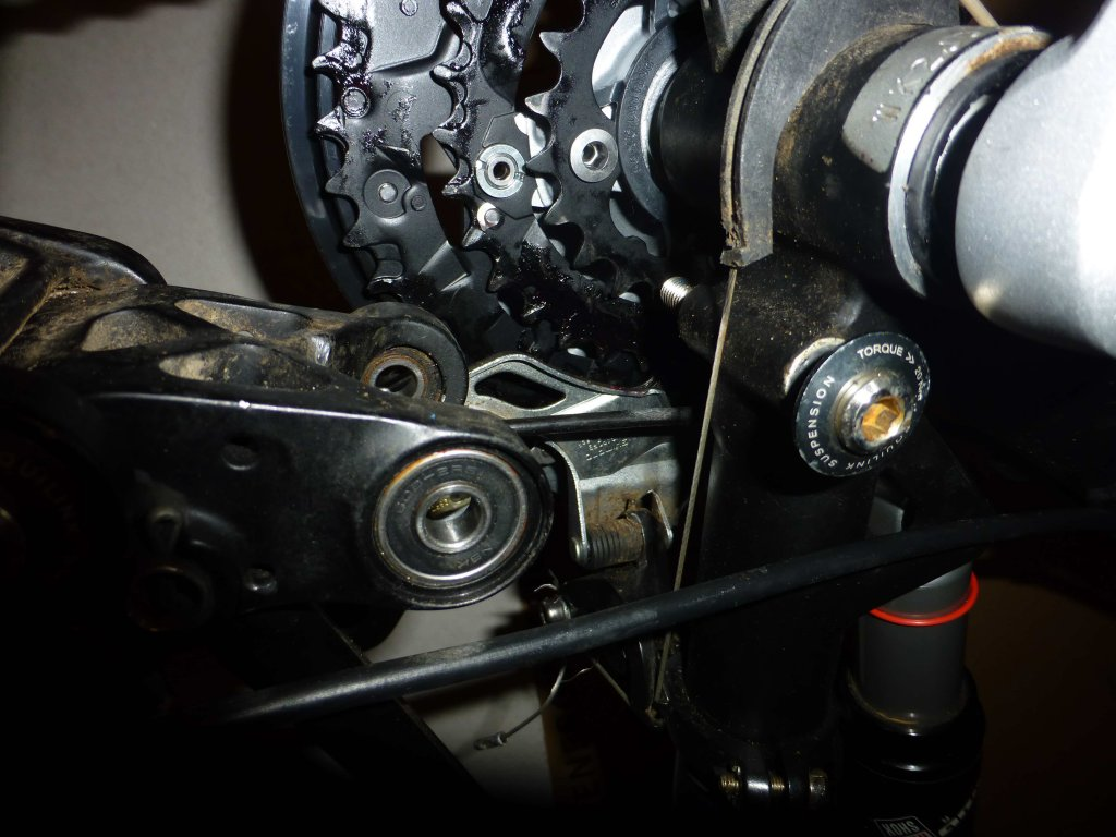 Help! Worn bolt hole in frame! can it be fixed?-untitled2.jpg