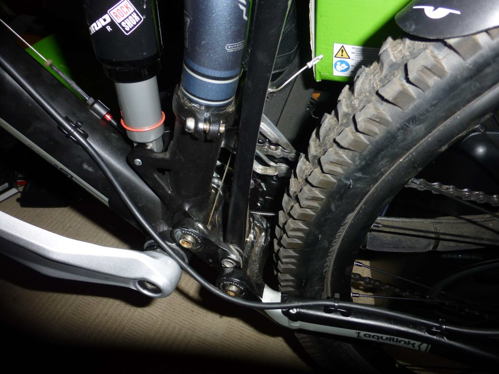 worn hole on main frame from rear suspension bolt. advice needed urgently!!!!-untitled3.jpg