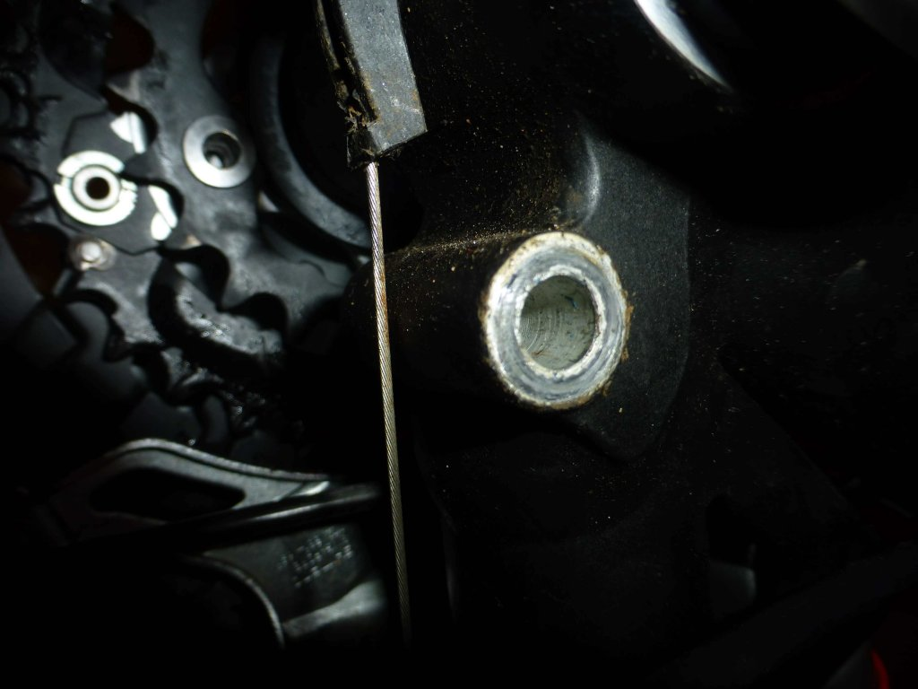 worn hole on main frame from rear suspension bolt. advice needed urgently!!!!-untitled5.jpg