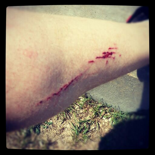 Avoiding a gash on your leg from 3rd chainring / Front Derailleur-uploadfromtaptalk1348576506067.jpg
