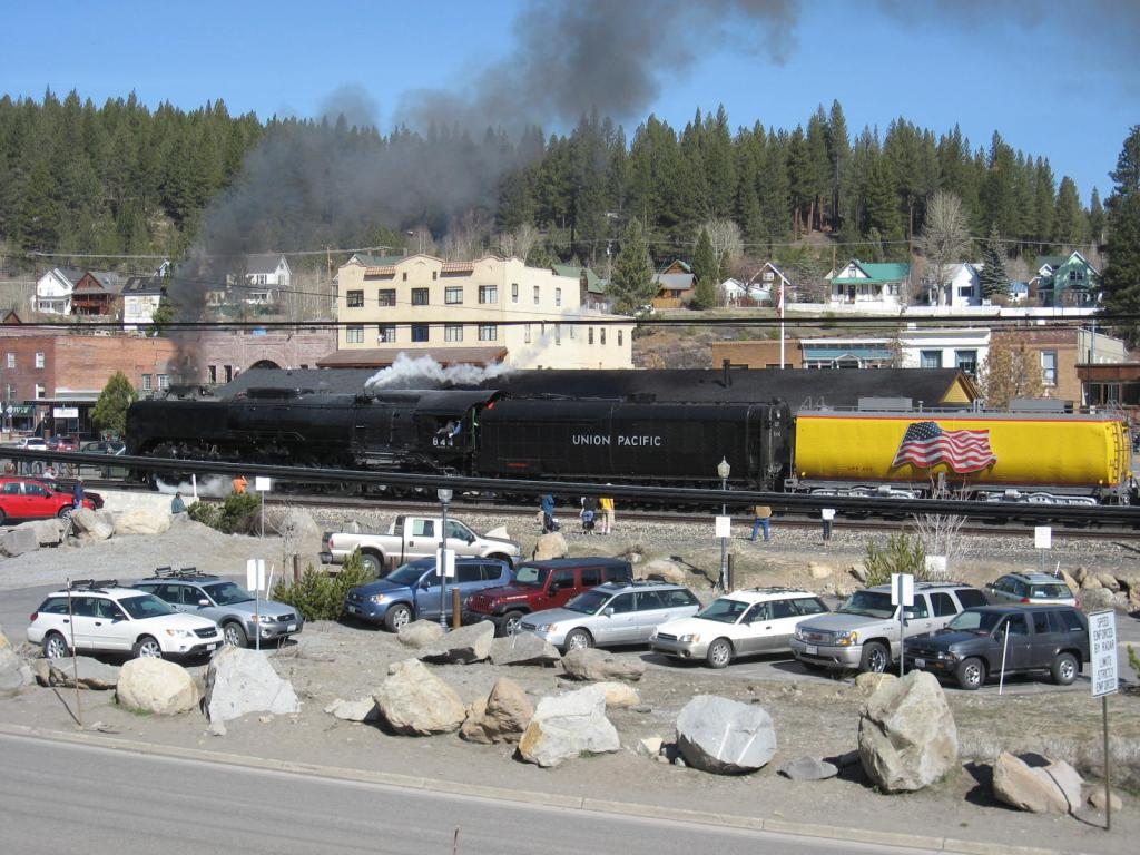 Your other passions-uprrsteamtrain-041709-002.jpg