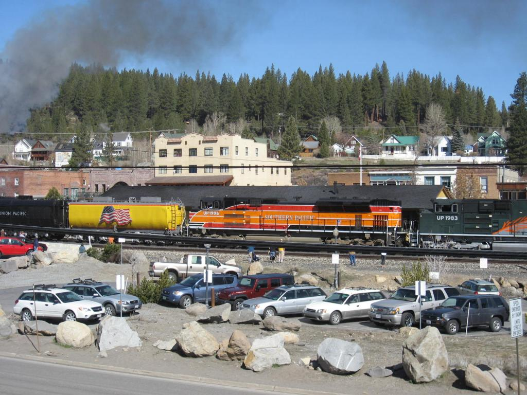 Your other passions-uprrsteamtrain-041709-003.jpg