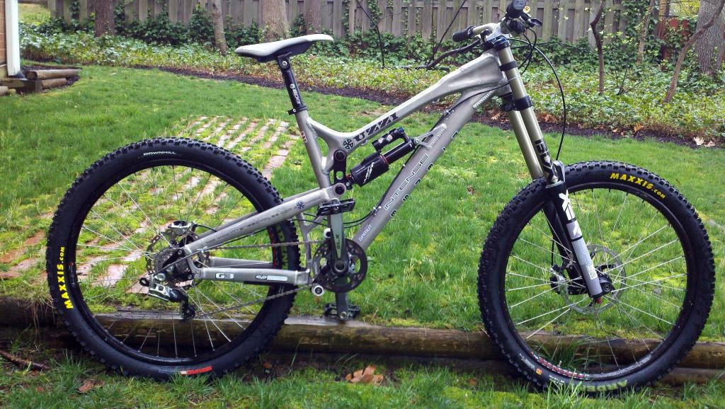 What Does your DH Bike Weight? Post' em Up ! !-uzzi.jpg