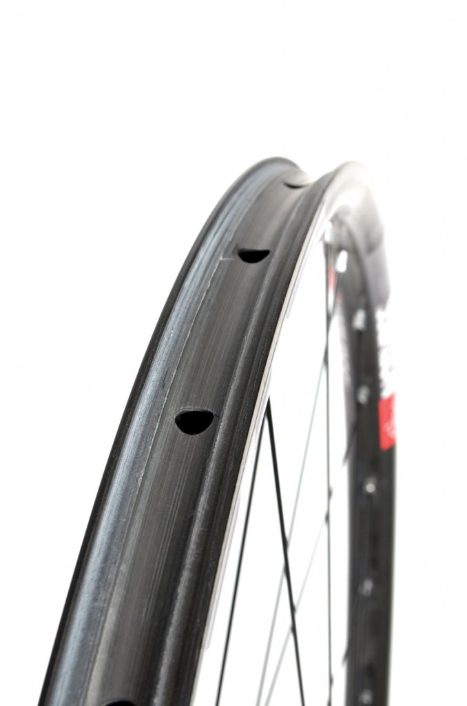 Carbon wheels from NoTubes.-valor2.jpg
