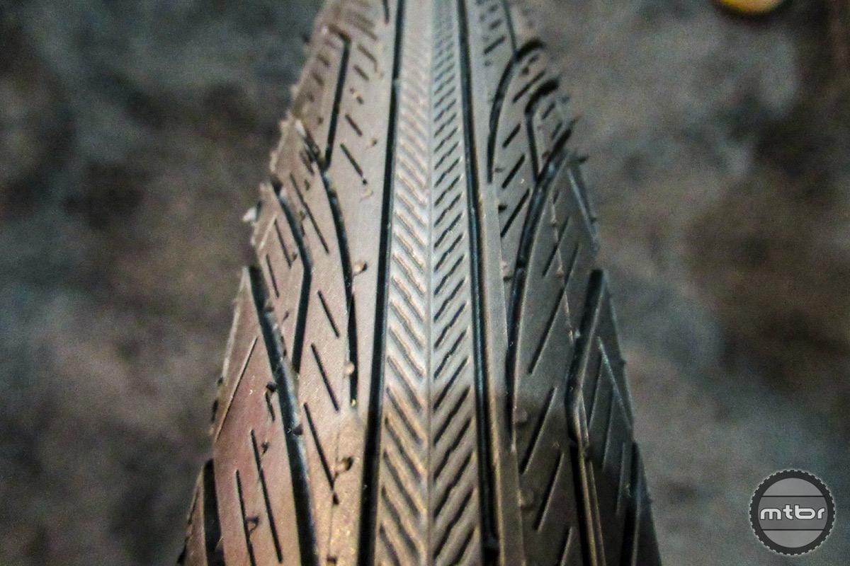 Vee Tires Zilent Sport Tread