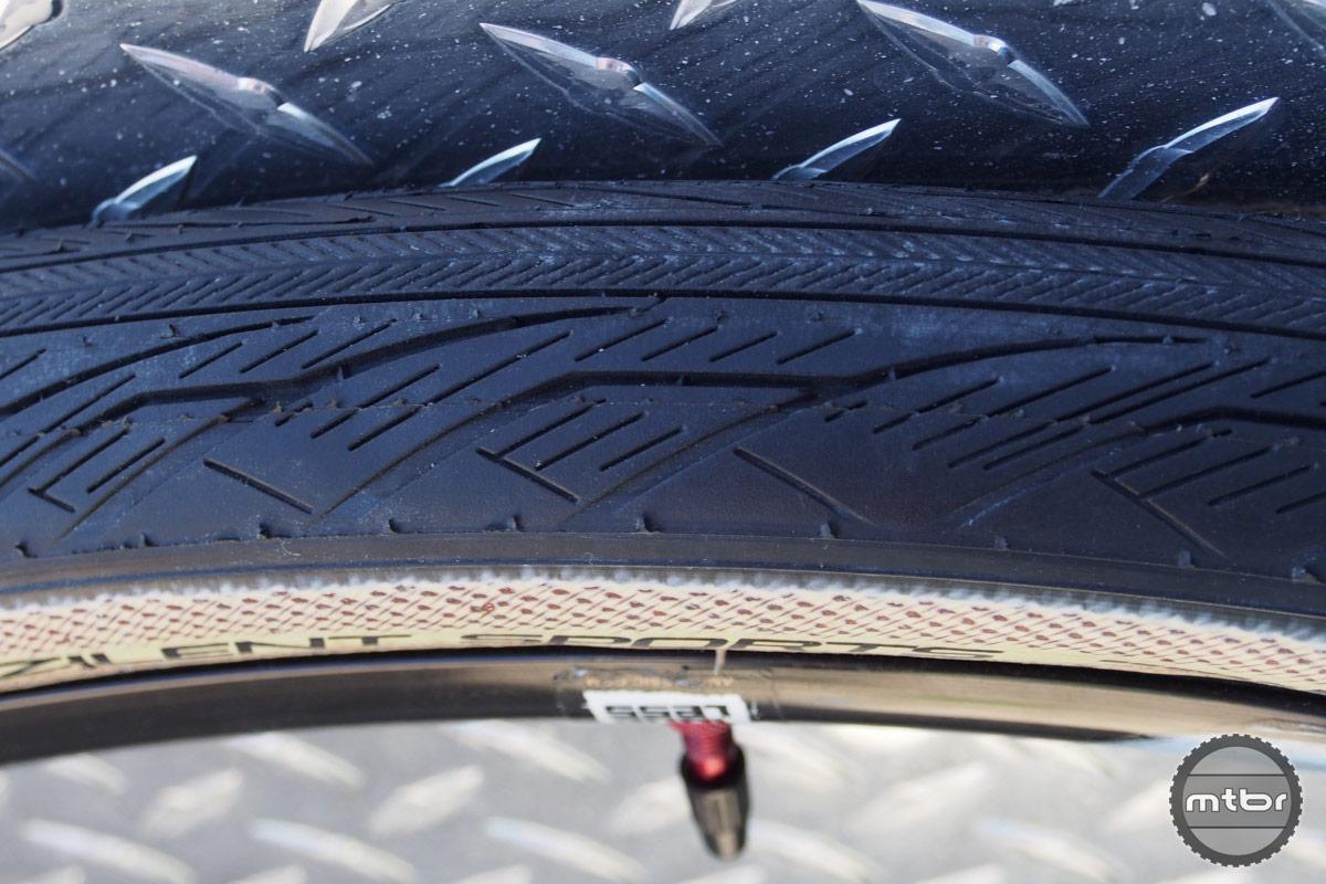 Vee Zilent Sports Tire