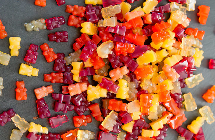 Vegetarian / Vegan / Raw recipes & chat-vegan-fruit-snack-gummies-9-728x475.jpg