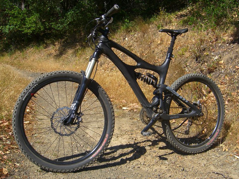 X-Fusion Vengeance HLR coil - Can a fork be too good?-vegan-vector-sideleft.jpg