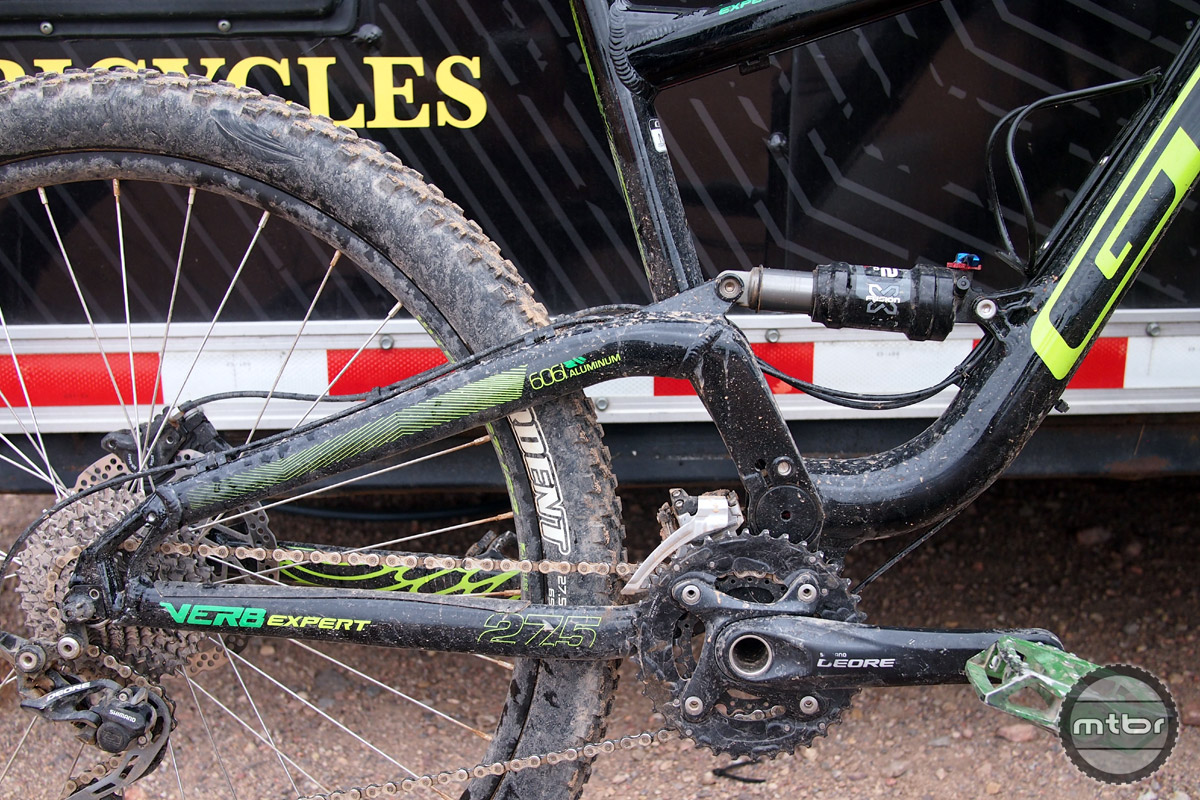 A bit dirty from demo rides, the Verb uses GT's Independent Drivetrain system.