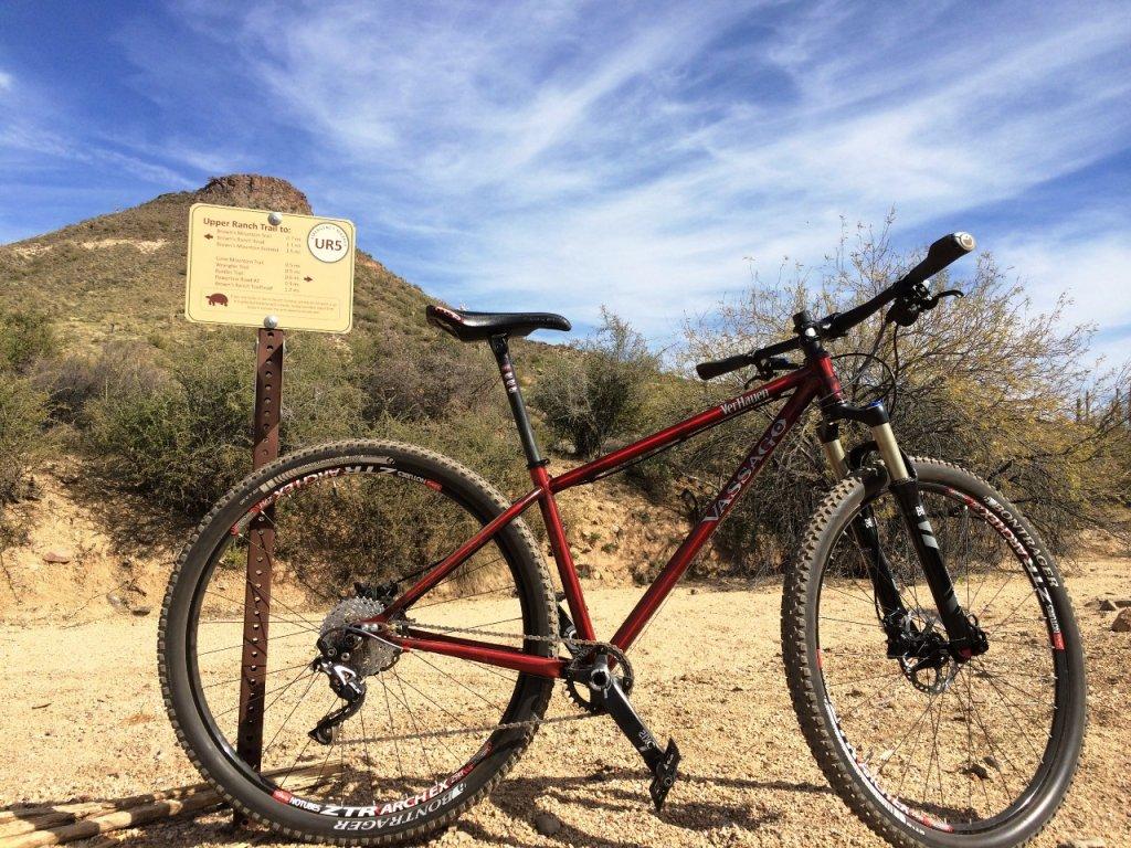 Bike + trail marker pics-verhauen.jpg