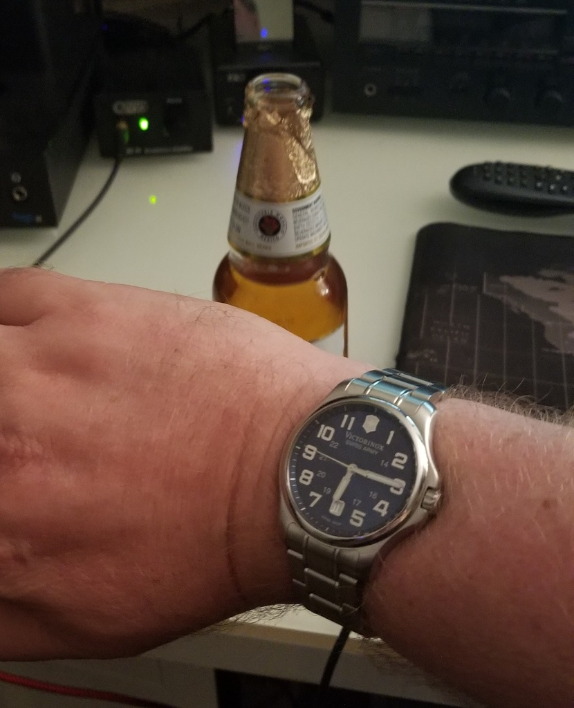 What's on your wrist today?-victoronox.jpg