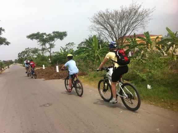 Mountain bike Vietnam-vietnam-family-cycling.jpg