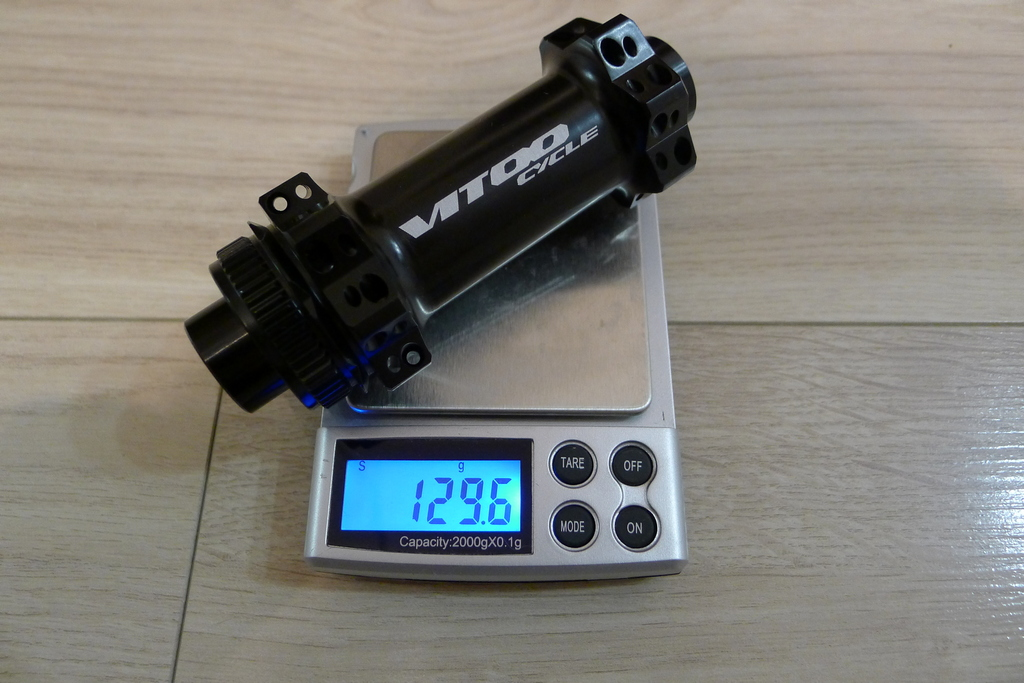 Chinese DT hubs counterfeits-vitoo_cycle_28h_cl_hubs_front_130g.jpg
