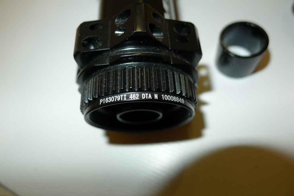 Chinese DT hubs counterfeits-vitoo_cycle_28h_cl_hubs_rear_code.jpg