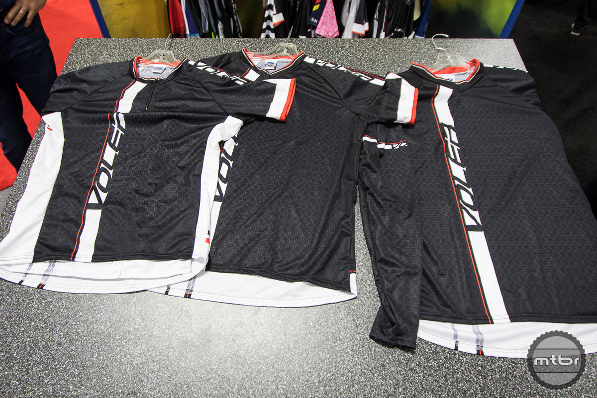 The new line of MTB-specific jerseys include the Voler Enduro Jersey, which is a durable piece built to handle the abuse of aggressive riding, and is available in long sleeve, three quarter, and short sleeve varieties.