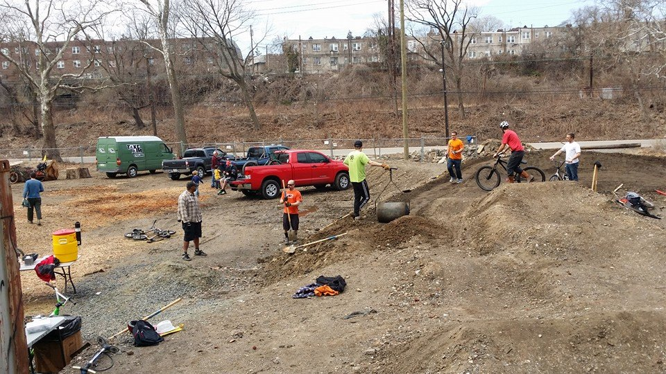 Philly is getting a PumpTrack!-volunteer-day.jpg
