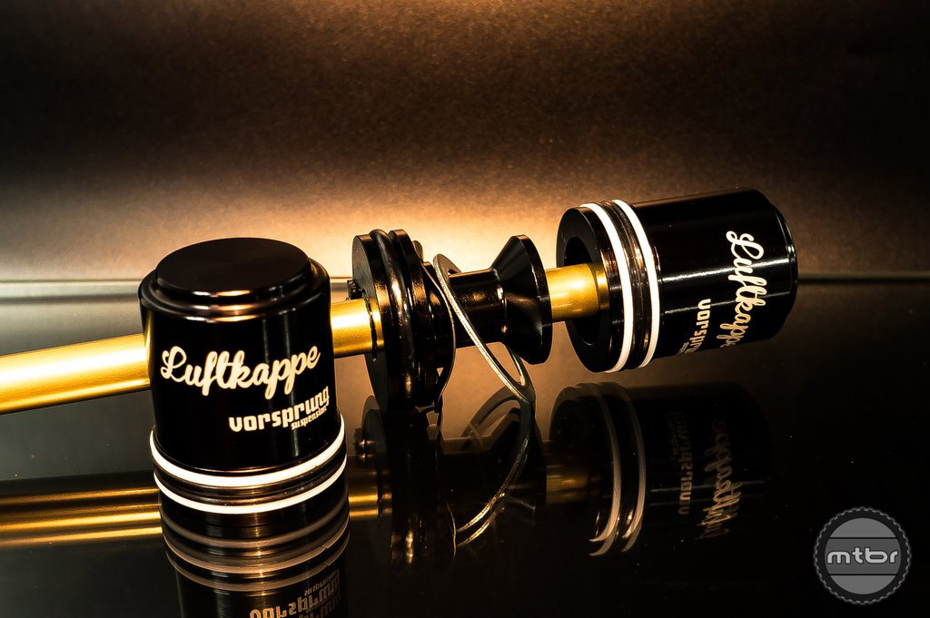 The Luftkappe features a pneumatic top out bumper, instead of a mechanical one, which eliminated knocking.