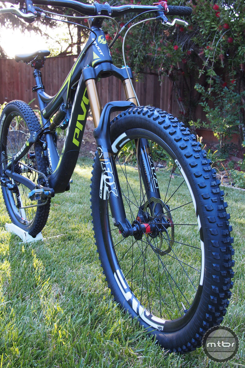 Vredestein Bobcat 27.5 on Pivot Mach 6