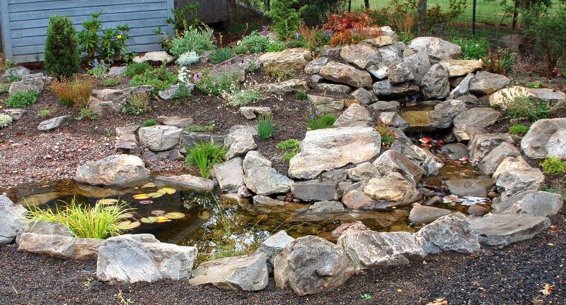 Dyke 8/ Browns Ravine Rock Garden Feud-waterfeaturerockgarden001.jpg