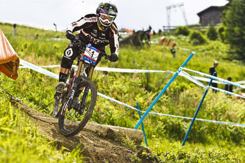 WC_SaLe_Women_DH_1st_winner_race