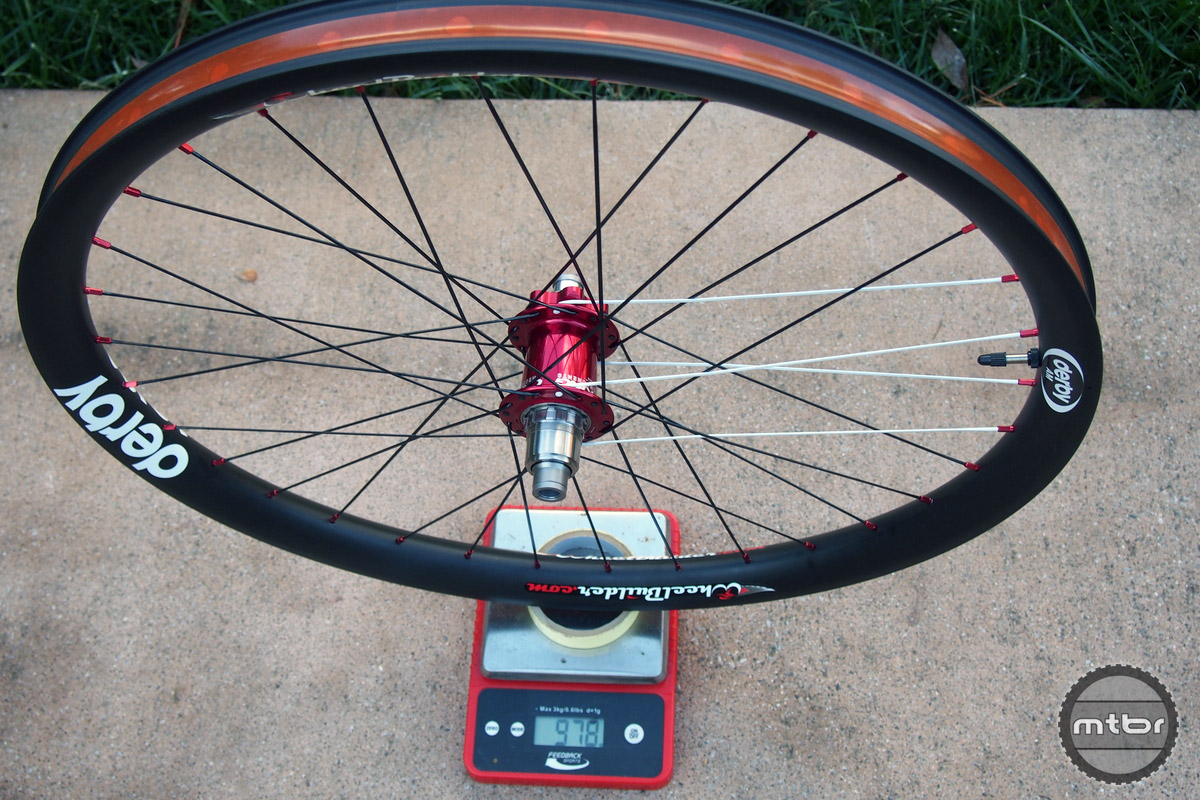 Rear weight on the Derby is 978 grams.