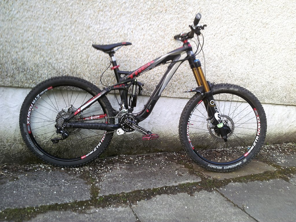 Show us a picture of your 26er MTB that you still use on the trails-wheels.jpg